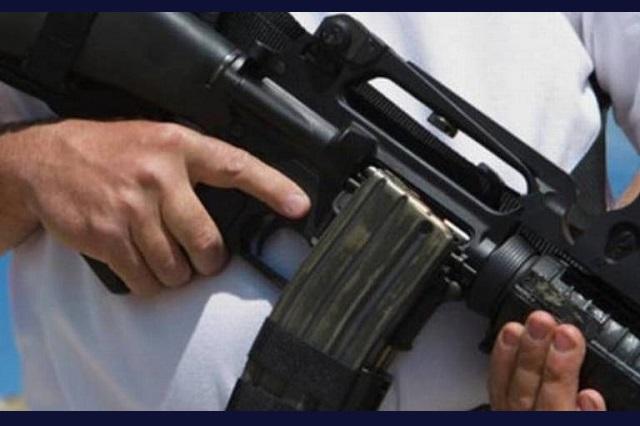 Tianguistas libran secuestro en Texmelucan; una mujer fue herida