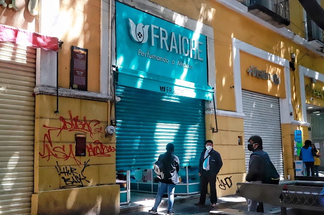 Comercio formal también torea operativos en Puebla