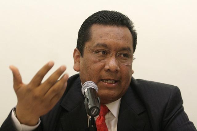 Responde Carmona a Barbosa: no soy enlace federal con la SEP