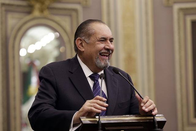 Escobedo, el legislador 'más productivo' con iniciativas de relleno