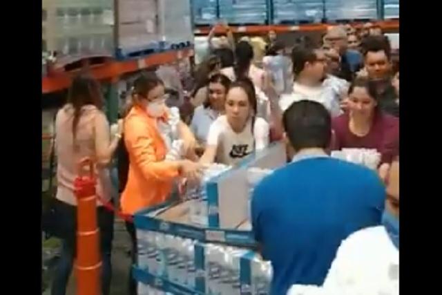 Compras de pánico inundan establecimientos mexicanos tras alerta por coronavirus