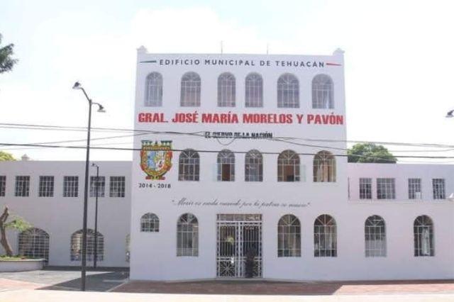 Acusan presunto cobro de puestos en Comuna de Tehuacán
