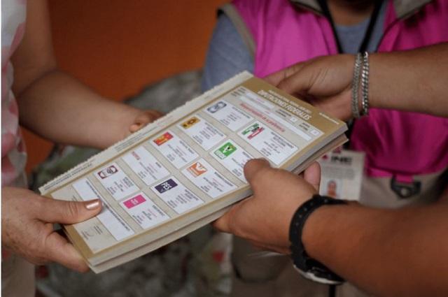 Con programas sociales premian a gente de Morena en casillas
