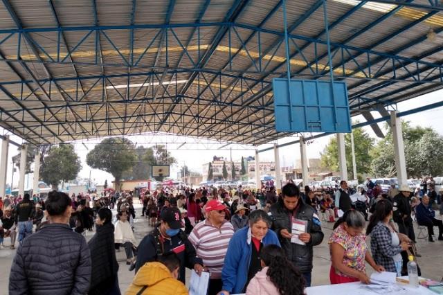 Concentran a cientos de adultos mayores en Tlatlauquitepec