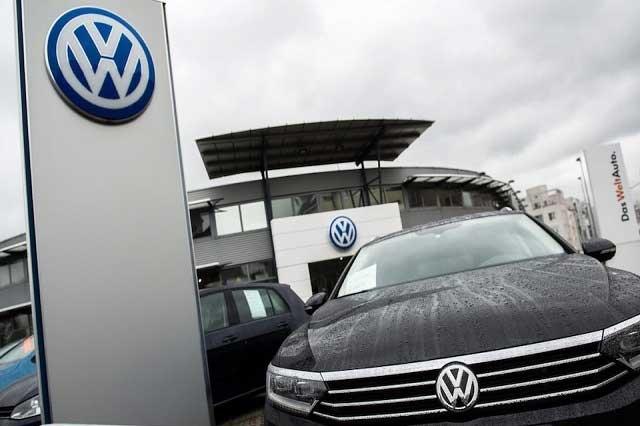 Caen 24.3% las ventas de Volkswagen en noviembre