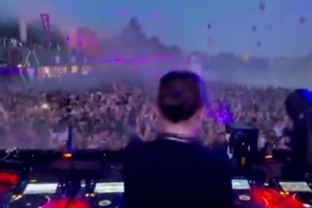 Casi mil personas dan positivo a Covid-19 tras ir a festival musical