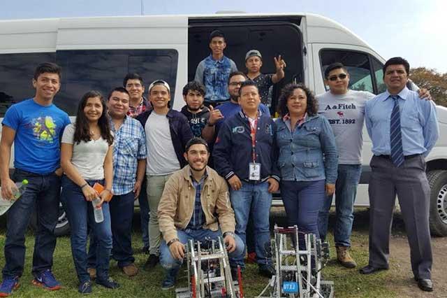 Estudiantes de la UT de Xicotepec ganan concurso nacional de robótica