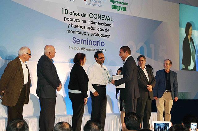 Reconoce Coneval estrategia de combate a la pobreza en Puebla