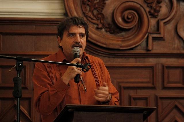 Enrique Serna pide a Slim no censurar libros en Sanborns