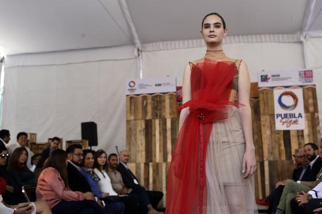 Buscan impulsar diseños textiles poblanos de alta calidad