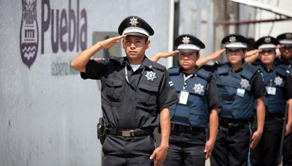 Anuncia Banck aumento salarial de 5 por ciento a policías municipales