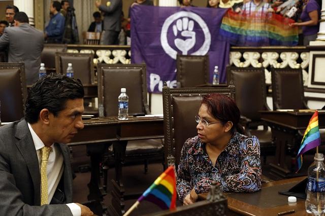 Exigen a diputados aprobar el matrimonio igualitario