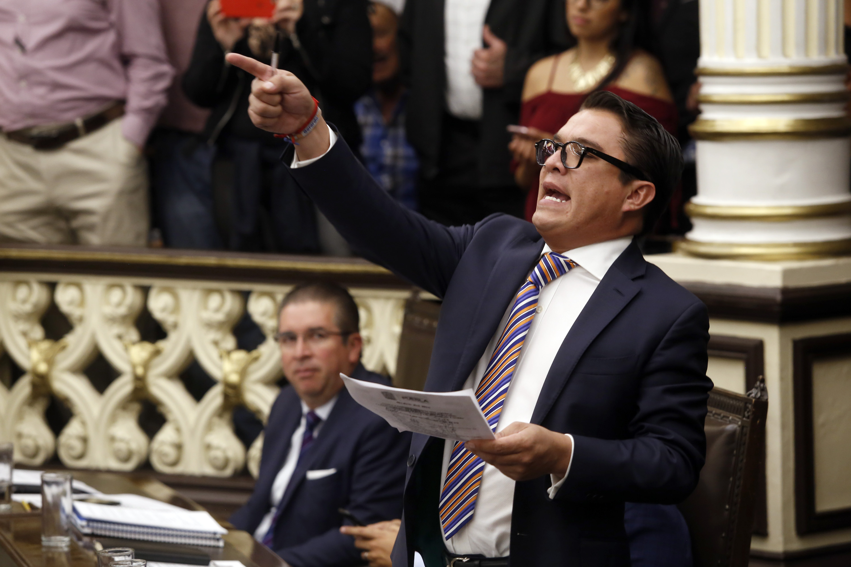 Gerardo Islas, el diputado más faltista en el Congreso estatal