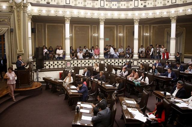 Ve Espinosa Torres amaño en el cambio de sede del Congreso