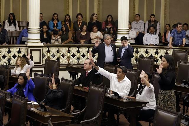 Congreso crea institutos de Barbosa y pasa Semefo a FGE - e-consulta
