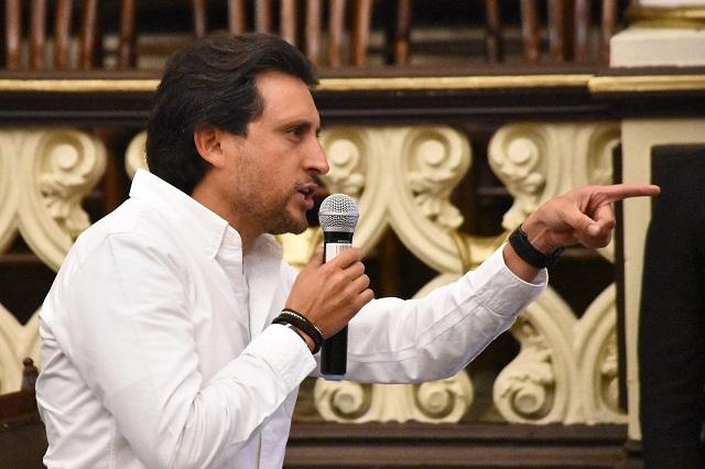 José Juan acusa ante FGR espionaje del gobierno de Puebla