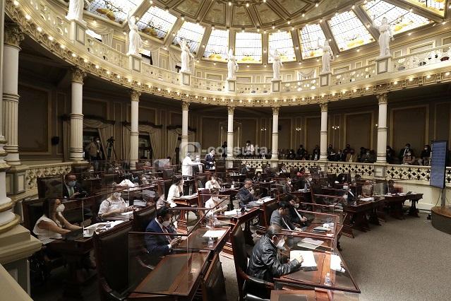 Iniciativa de Barbosa para cambiar ley de burócratas