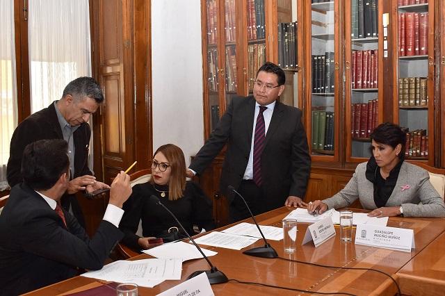 Diputados impuntuales frenan reforma para bajar dinero a partidos