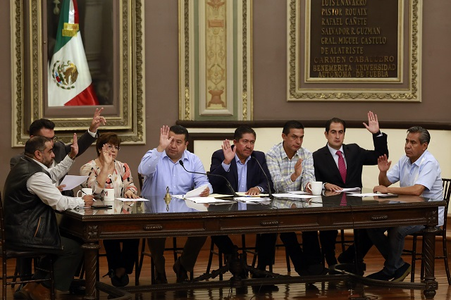 Pasa reforma para que gobernador de Puebla rinda protesta ante el TSJ