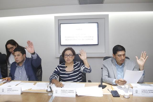 Diputados exigen pago a defraudados por financiera en Tehuacán