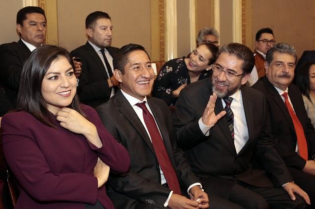 Claudia Rivera llegó al Congreso y también al mensaje de Alonso