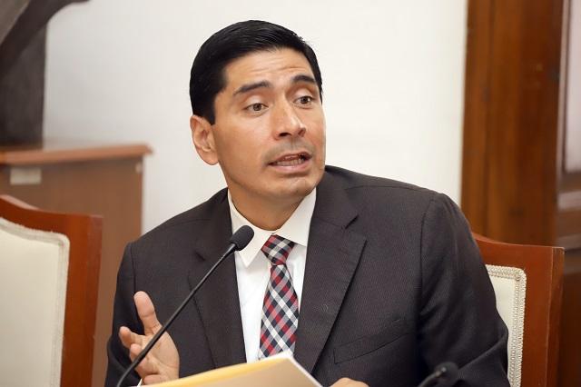 Carlos Morales se declara diputado sin partido tras dejar MC