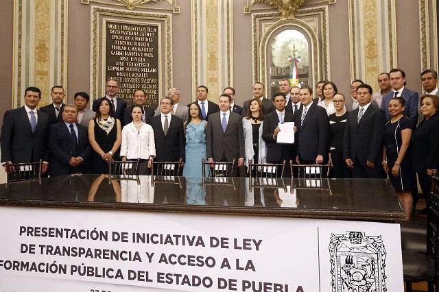 Sin PRI y PVEM, presenta RMV iniciativa de Transparencia