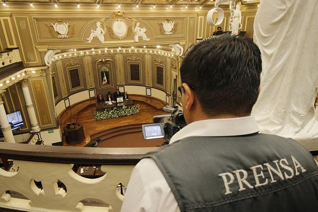Presentan ley contra agresión y censura a periodistas de Puebla