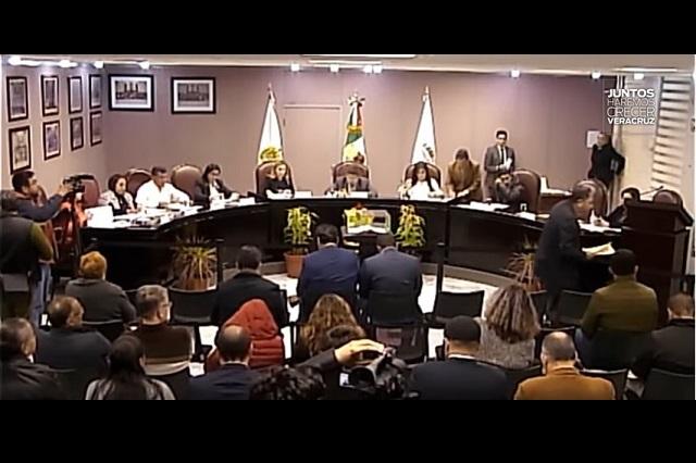 Congreso de Veracruz quita fuero a diputado y revoca mandato de un edil