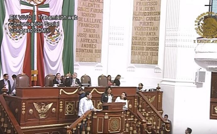 En la CDMX Morena plantea licencias para sexoservicio y una tarifa