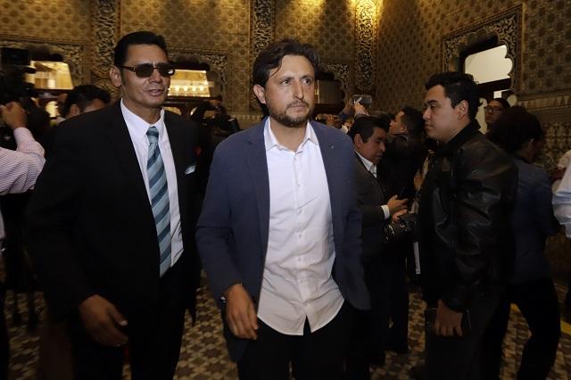 JJ no impugnará destitución; dice que tiende la mano a Barbosa