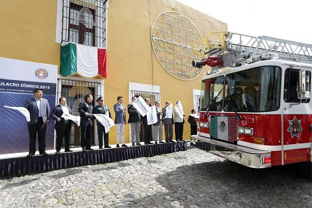 Recuerdan en Puebla el 30 aniversario del terremoto del 85