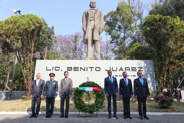 Conmemora Gali aniversario 212 del natalicio de Benito Juárez