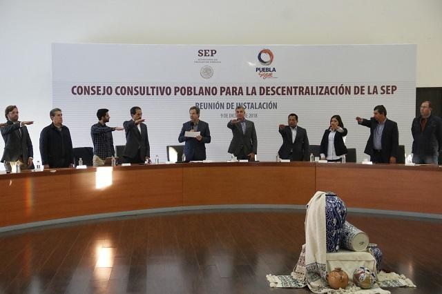 Instala Moctezuma consejo para mudanza de la SEP a Puebla