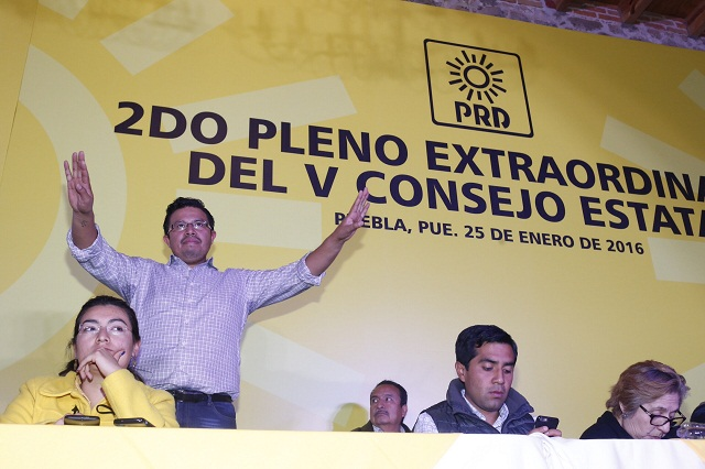 Opositores a RMV retoman sesión de Consejo Estatal del PRD
