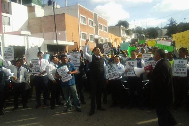Tras riña en la CAPU, Consejo Taxista pide expulsar a Uber