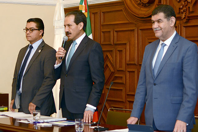 Consejo Universitario de la Buap ratifica tesorero y nombra nuevo contralor