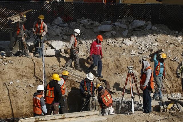 Aumenta personal ocupado en sector de la construcción: Inegi