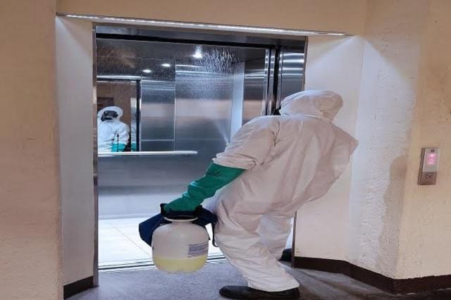 Mujer asintomática contagia a 71 personas, tras contaminar ascensor