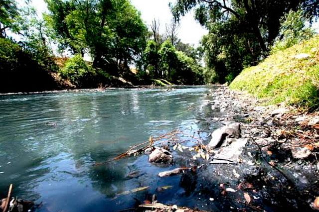 Textileras triangulan contaminación al río Atoyac: Conagua