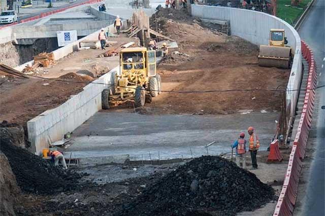 Contingencia también frena avance en obras públicas y privadas