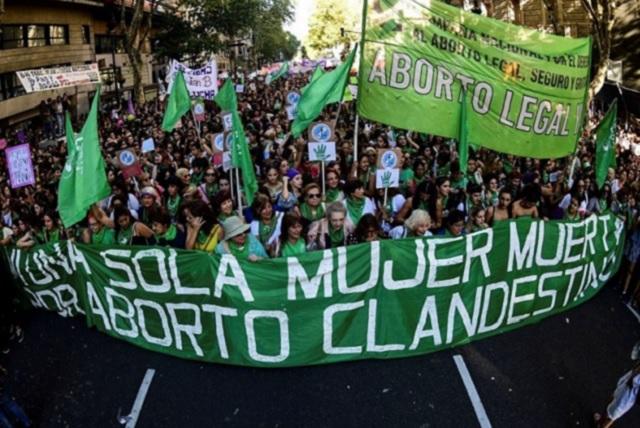 Senado argentino rechaza legalizar el aborto