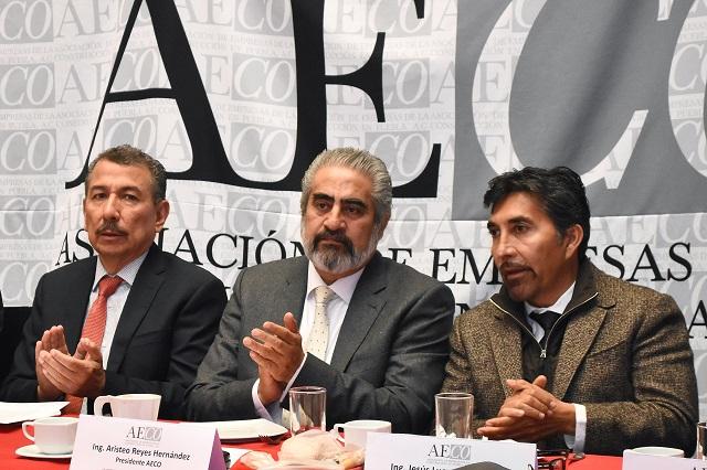 Faltan recursos para obra pública en Puebla, dicen constructores