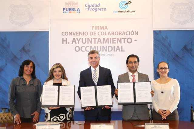 Firma ayuntamiento convenio con bolsa de trabajo on line