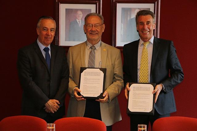 IBERO Puebla y VW Financial Services, en alianza estratégica