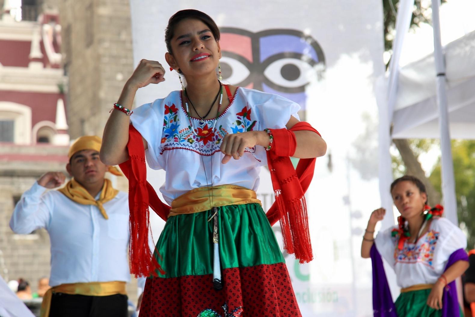 Realizarán el primer concurso de canto en lengua de señas mexicana