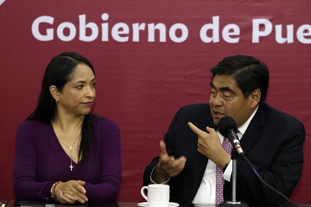 Dos semanas más esperará el aumento al pasaje, señala Barbosa