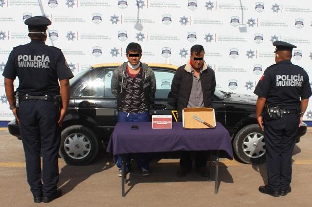 Detienen en Puebla capital a dos asaltantes de transeúntes