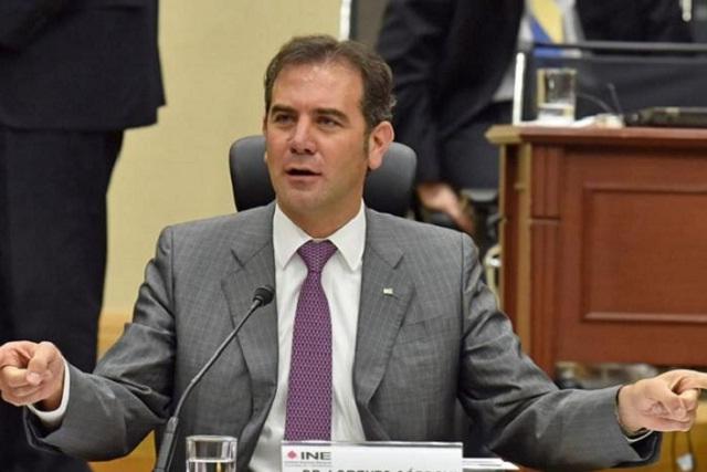 INE denuncia que independientes simularon credenciales de elector