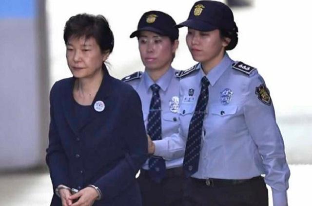 Condenan a 24 años de cárcel a la ex presidenta de Corea del Sur